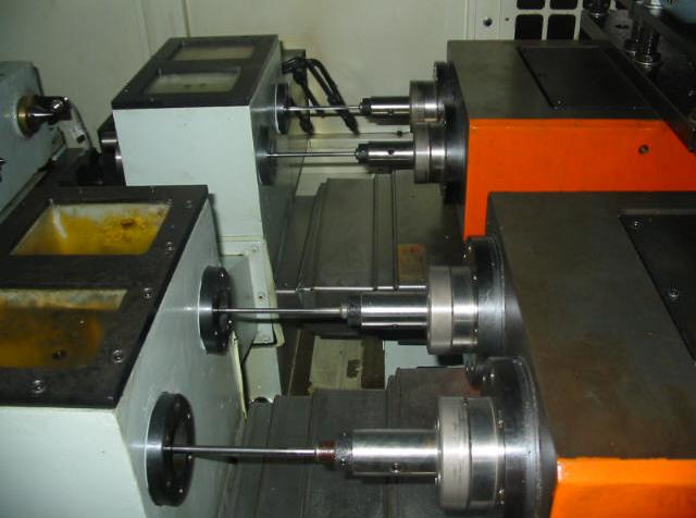单面四工位曲柄轴钻深孔专机